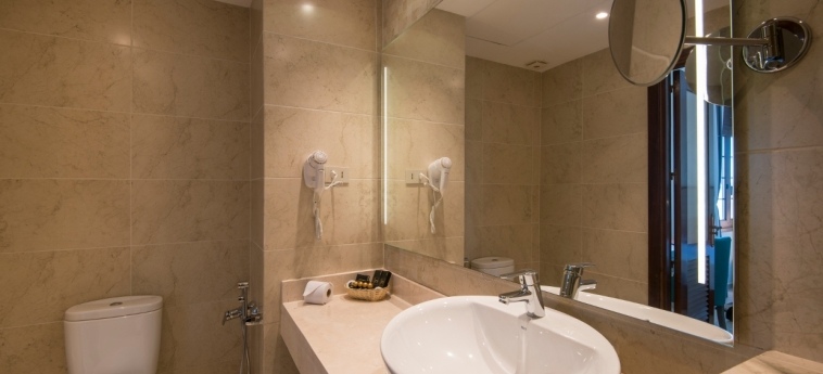 Hotel Victoria: Salle de Bains LA HAVANE