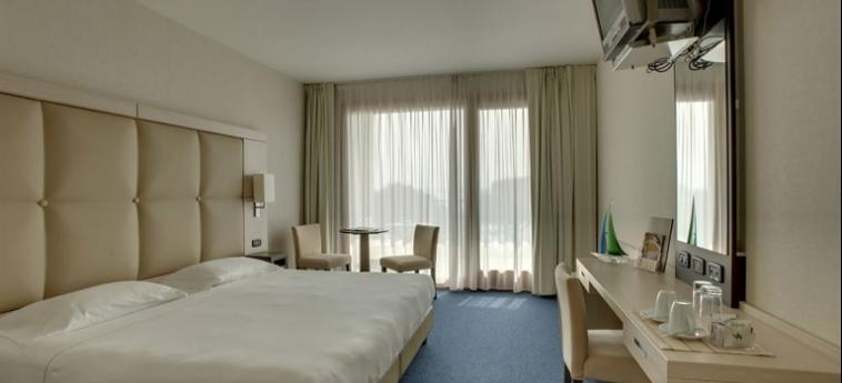 Cocca Hotel Royal Thai Spa: Salotto LAC D' ISEO