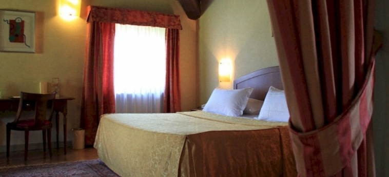 Hotel Relais Franciacorta: Camera Matrimoniale/Doppia LAGO D' ISEO