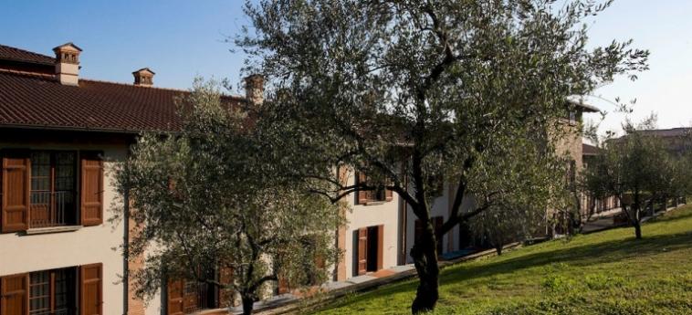 Hotel Relais Franciacorta: Dormitorio 8 Pax LAGO D' ISEO