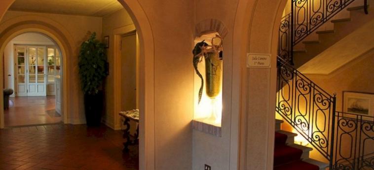 Hotel Relais Franciacorta: Dormitorio LAGO D' ISEO