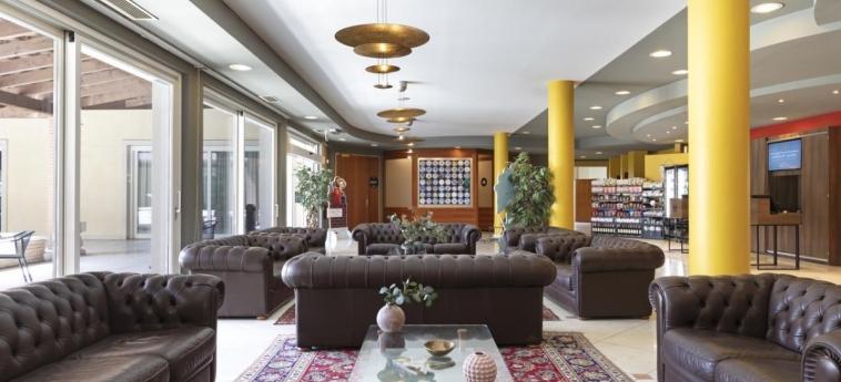B&b Hotel Affi - Lago Di Garda: Hall LAGO DE GARDA