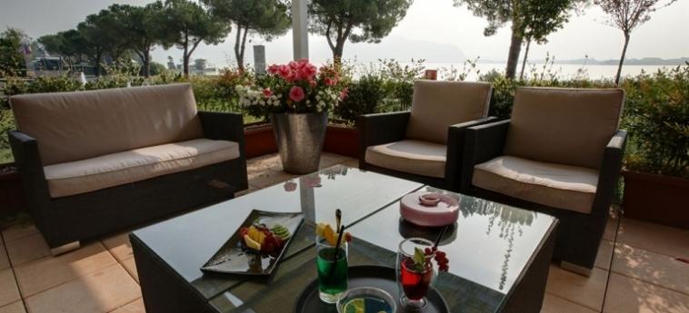 Cocca Hotel Royal Thai Spa: Pisina para ninos LAGO DE ISEO