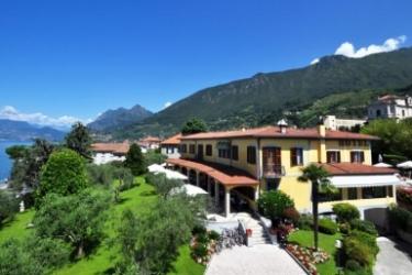 Hotel Villa Kinzica: Exterior LAGO DE ISEO