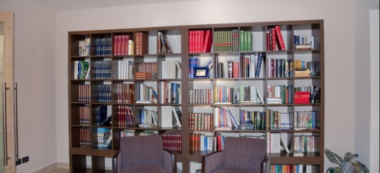 Hotel Mauro: Biblioteca LAGO DI GARDA