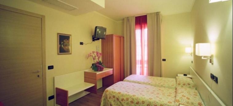Hotel Mauro: Camera Doppia - Twin LAGO DI GARDA