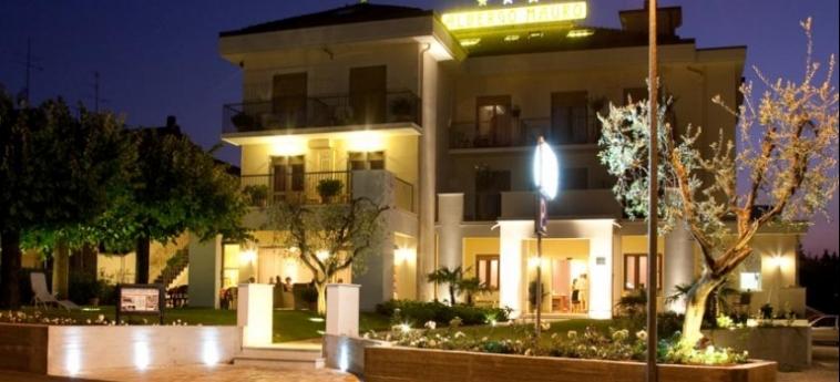 Hotel Mauro: Esterno LAGO DI GARDA