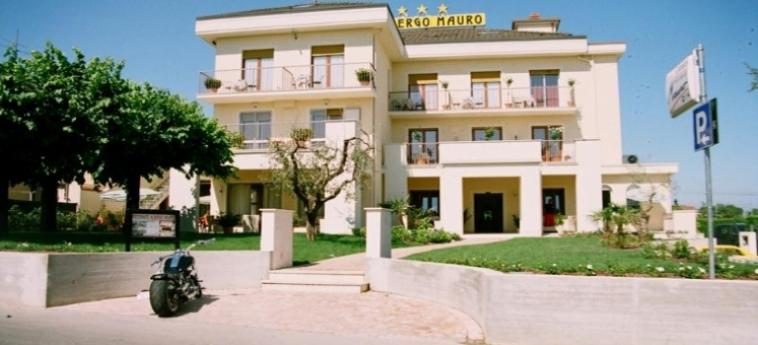 Hotel Mauro: Facciata LAGO DI GARDA