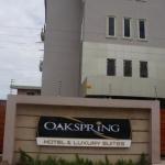 OAKSPRING HOTEL & LUXURY SUITES 4 Estrellas