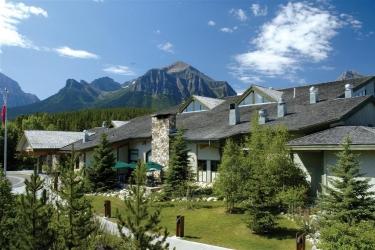 Hotel Lake Louise Inn: Esterno LAKE LOUISE