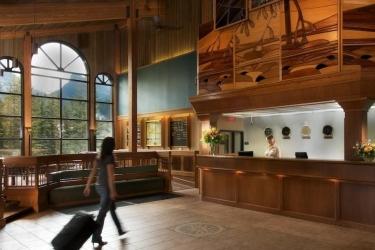 Hotel Lake Louise Inn: Reception LAKE LOUISE