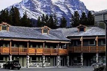 Hotel Mountaineer Lodge: Exterior LAKE LOUISE