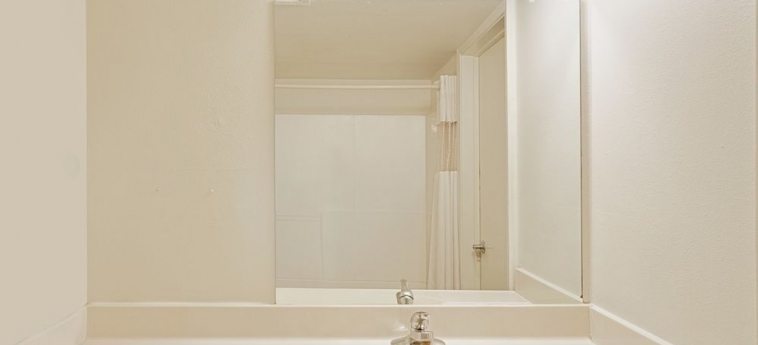 Hotel Knights Inn Page Az: Lababo del baño LAKE POWELL (AZ)