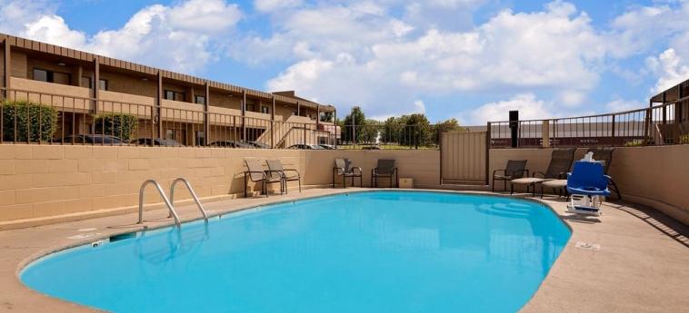 Hotel Knights Inn Page Az: Piscina al aire libre LAKE POWELL (AZ)