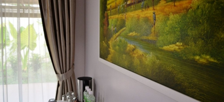 Hotel The Ocean Residence: Patio LANGKAWI
