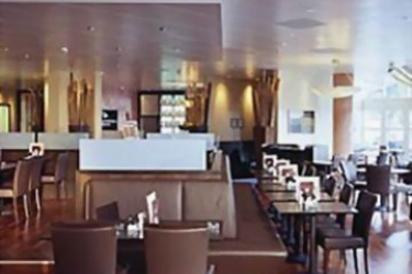 Hotel Movenpick: Bar LAUSANNE