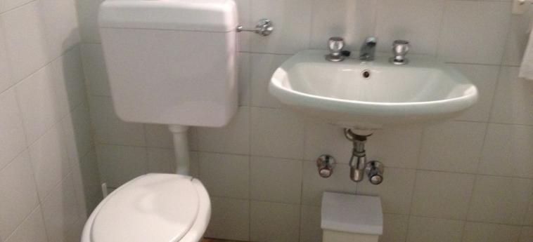 Hotel Moderno: Bagno LECCO
