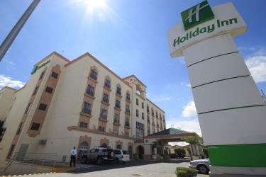 Hotel Holiday Inn Leon: Hotel front LEON