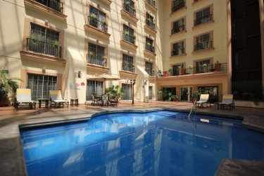 Hotel Holiday Inn Leon: Pool LEON