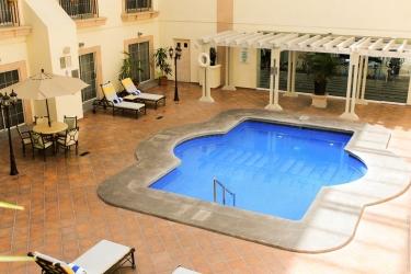 Hotel Holiday Inn Leon: Swimming Pool LEON