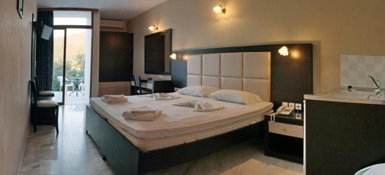 Hotel Sunset: Bedroom LESBOS