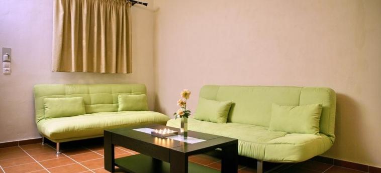Hotel Sunset: Living Room LESBOS