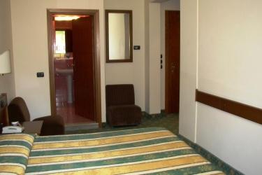 Hotel Eden: Camera Matrimoniale/Doppia LEVICO TERME - TRENTO