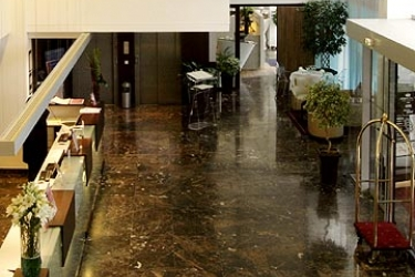 Hotel Crowne Plaza Lille - Euralille: Eingang LILLE
