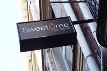 Sweetôme Aparthotel: Wandmalerei LILLE