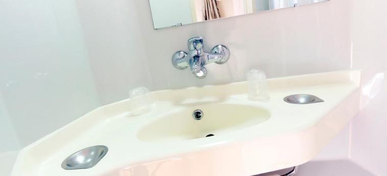Hotel Premiere Classe Henin Beaumont - Noyelles Godault: Bathroom LILLE