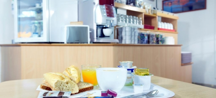 Hotel Premiere Classe Henin Beaumont - Noyelles Godault: Breakfast LILLE