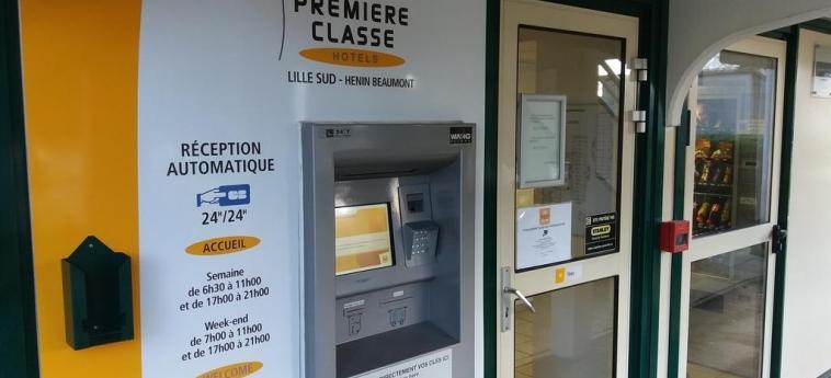 Hotel Premiere Classe Henin Beaumont - Noyelles Godault: Entrance LILLE