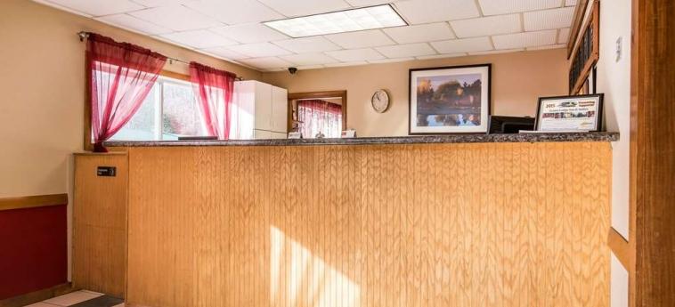Hotel Econo Lodge Inn & Suites: Lobby LINCOLN (NH)