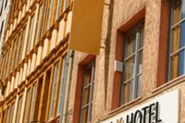 Hotel Republik: Ristorante Esterno LIONE