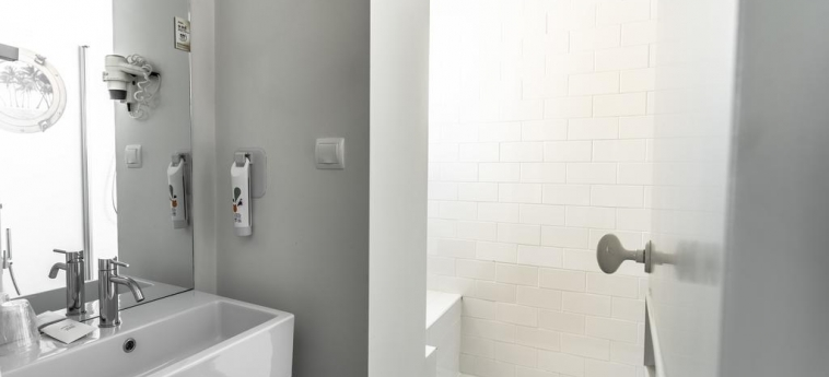 Ibis Styles Lisboa Centro Liberdade Ne Hotel: Bathroom LISBON