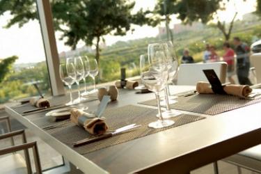 Mercure Lisboa Almada Hotel: Outdoor Restaurant LISBON