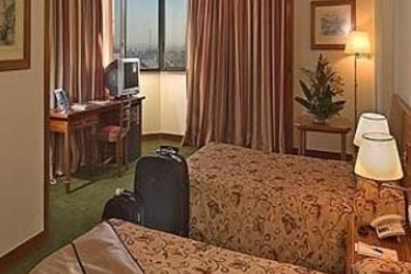 Hotel Real Parque: Guest Room LISBONA