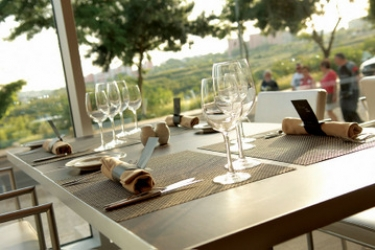 Mercure Lisboa Almada Hotel: Außen Restaurant LISSABON