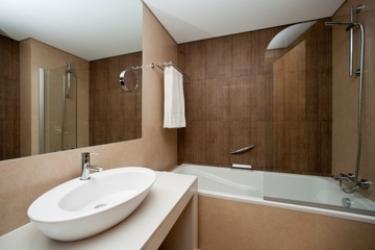 Mercure Lisboa Almada Hotel: Badezimmer LISSABON