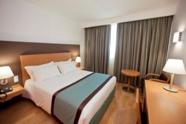 Mercure Lisboa Almada Hotel: Schlafzimmer LISSABON