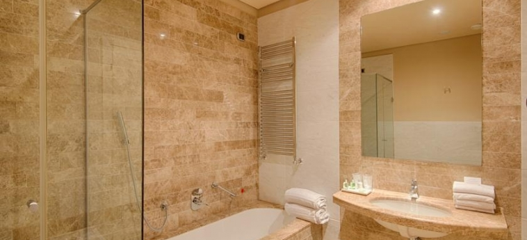 Grand Hotel Palazzo Livorno Mgallery By Sofitel: Cuarto de Baño LIVORNO