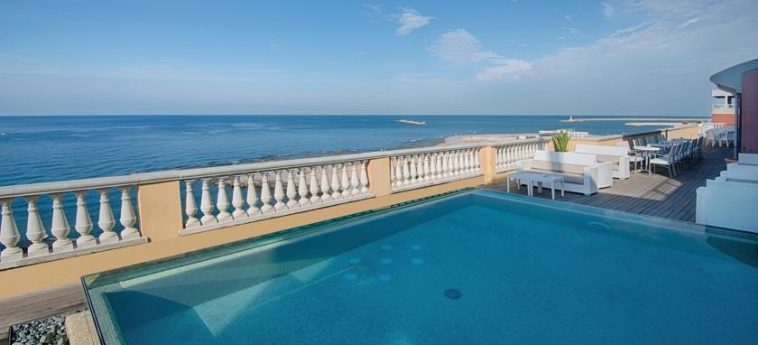 Grand Hotel Palazzo Livorno Mgallery By Sofitel: Piscina Exterior LIVORNO