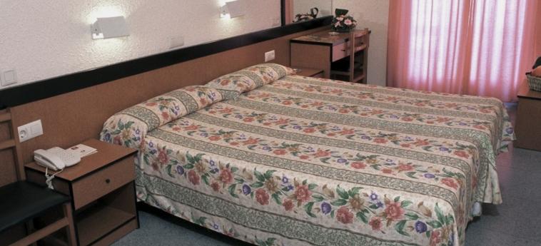 Hotel Guitart Rosa: Schlafzimmer LLORET DE MAR - COSTA BRAVA