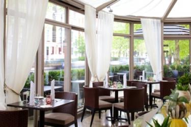 Hotel Xenia, Autograph Collection: Restaurant LONDON