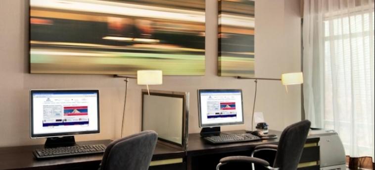 Hotel Hilton London Tower Bridge: Internet Point LONDON