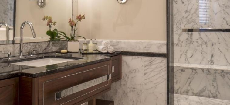 Grosvenor House, A Jw Marriott Hotel: Bathroom LONDON