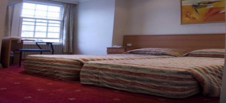 Hotel La Reserve: Doppelzimmer LONDON