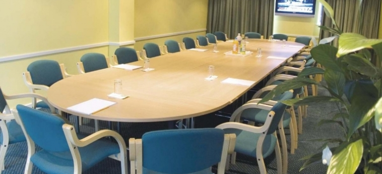 Hotel La Reserve: Konferenzsaal LONDON
