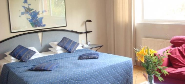 Hotel La Reserve: Schlafzimmer LONDON