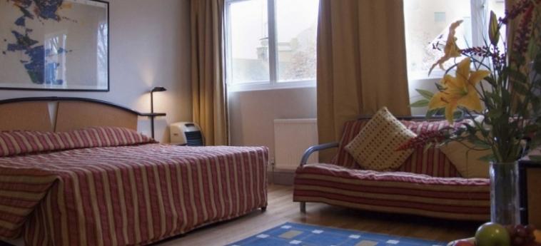 Hotel La Reserve: Bedroom LONDON